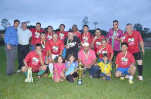 FESTA DO FUTEBOL:Country Club fatura título do Torneio Início da 1ª Ubiratã Veteranos Cup