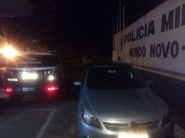 PM de Mundo Novo prende foragido com carro roubado