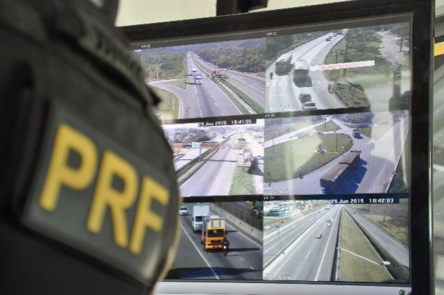 PRF inicia Operação Independência com foco em velocidade, ultrapassagens e embriaguez