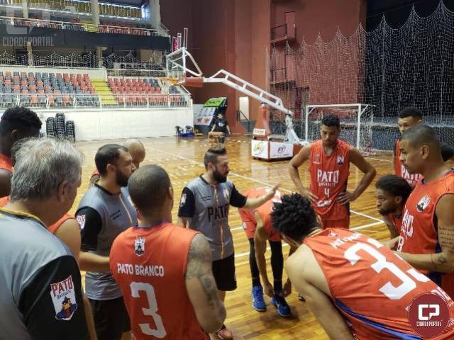 Pato Basquete participou de amistoso nesta quarta feira, 06, e venceu time de Joinville