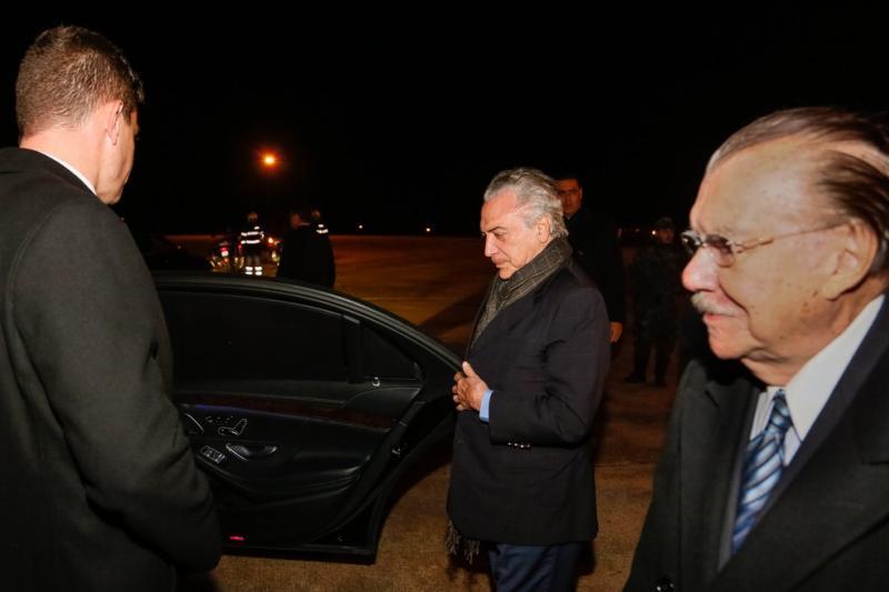 Temer chega a Portugal e participa nesta terça de funeral de Mário Soares
