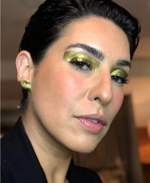 Fernanda Paes Leme tem ideia genial para combinar sombra dourada: ache o detalhe