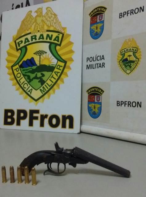 Batalhão de Polícia de Fronteira apreende arma de fogo, munições e dinheiro na cidade de Guaíra