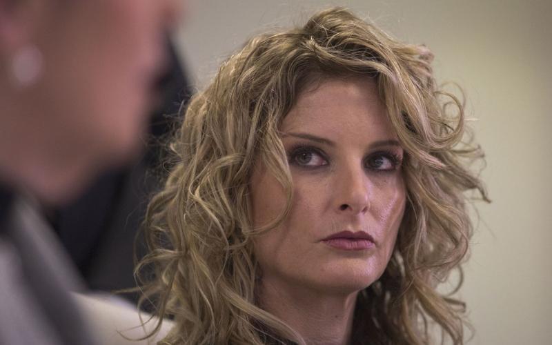 Ex-participante de aprendiz processa Trump por difamação após assédio