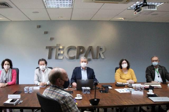 Tecpar e Fiocruz avaliam retomada de produção de insumos para vacinas