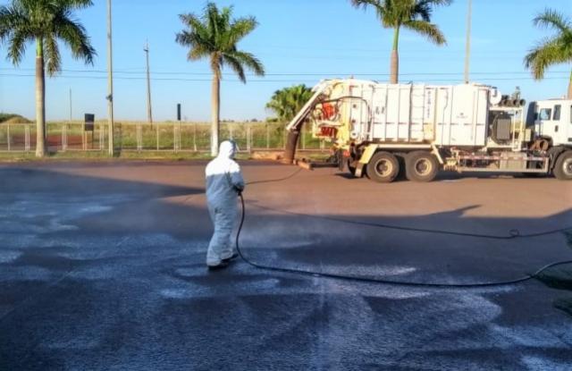 Trabalho de desinfecção é promovido na região do Hospital Sanca Casa de Campo Mourão