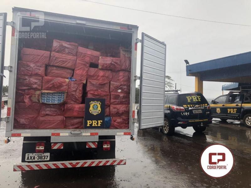 Polícia Rodoviária Federal apreende caminhão com cigarros na BR-487 em Araruna-PR