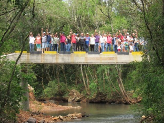 Foi inaugurada no último sábado, 29 a ponte sobre o rio Cancã, na comunidade Cancã de Baixo em Roncador