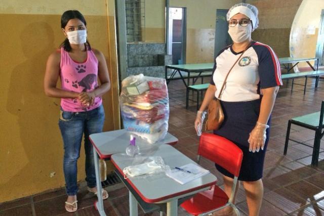 Kits de Alimentos foram doados para famílias de alunos da Rede Municipal de Ensino de Campo Mourão