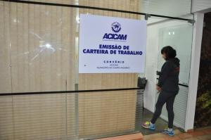 Acicam e Município de Campo Mourão assumem a emissão de Carteira de Trabalho