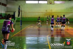 Voleibol feminino de Barbosa Ferraz supera Campo Mourão e segue firme em busca do título