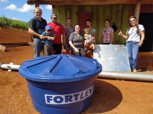 Famílias de Roncador recebem as primeiras unidades do Programa Caixa D'Água Boa
