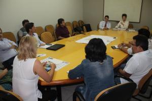 Reunião na Comcam discute destinação final do lixo