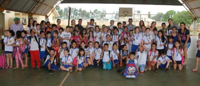 Premiação dos Jogos Primários na Escola Eroni Maciel Ribas em Campo Mourão
