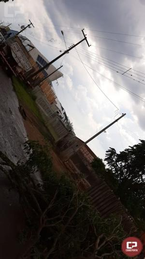 Chuvas e rajadas de ventos causam estragos na cidade de roncador