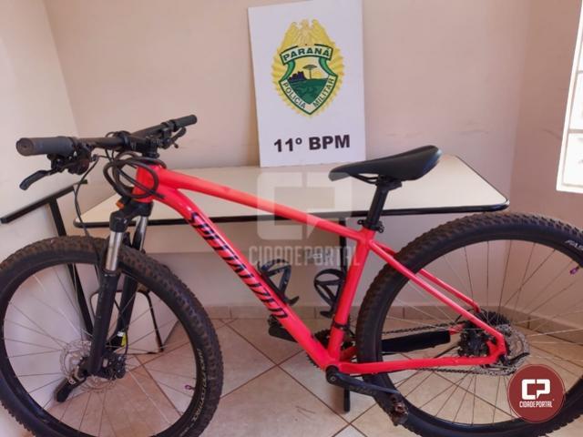 Polícia Militar recupera bicicleta furtada e encaminha uma pessoa para a Delegacia de Campo Mourão