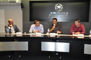 Entrega de prêmios, convidados e inauguração na reunião da Acicam em Campo Mourão