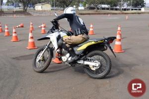 Policiais Militares do 11º Batalhão realizam curso de capacitação com motocicletas em Maringá