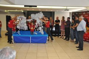 Consumidoras ganham smartphones  na campanha de Natal da Acicam em Campo Mourão