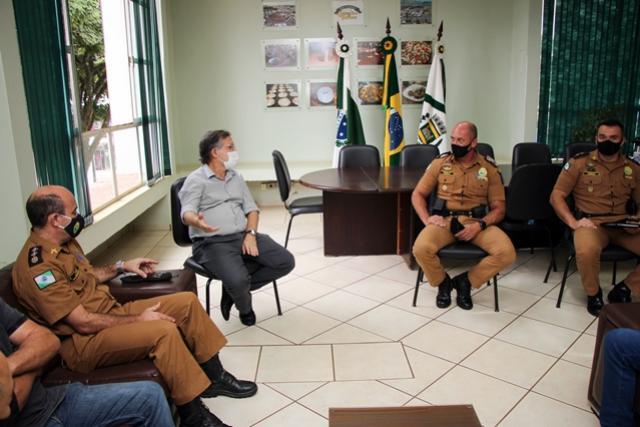Comandante-Geral da Polícia Militar visita unidade de Campo Mourão