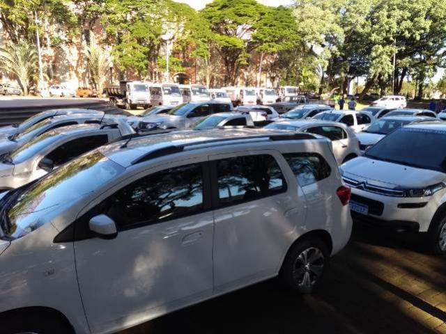 Prefeitura de C. Mourão fará entrega oficial de veículos e equipamentos novos na praça