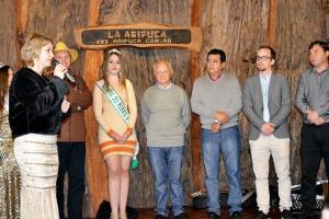 Farol faz lançamento da Festa Pernil à Pururuca na Argentina
