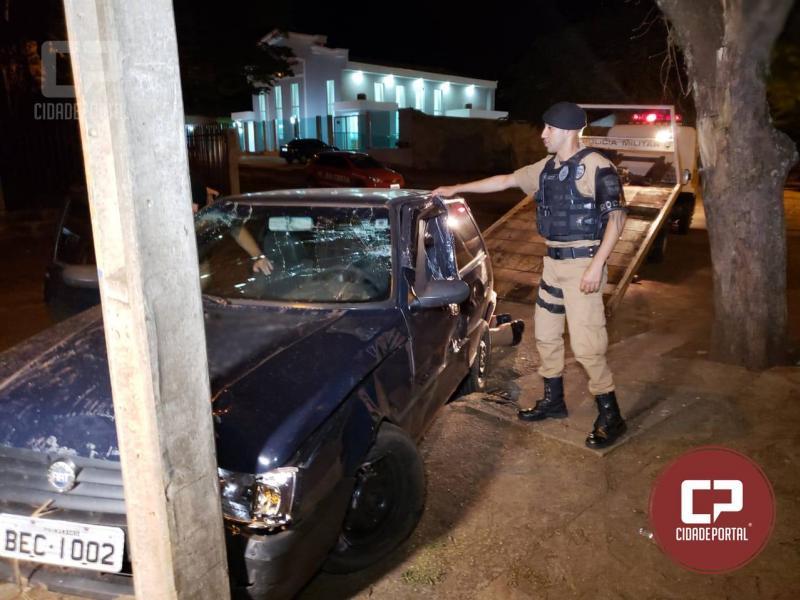 Polícia Militar de Campo Mourão prende dois elementos com simulacro de pistola e recupera veículo roubado