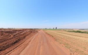 Secretaria de C. Mourão promove melhorias em Estradas Rurais da Região do km 128