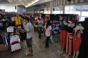 Campo Mourão: Boas vendas e grande público no Feirão Queima de Estoque