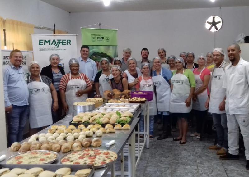 Prefeitura, Emater e Senar promovem curso de panificação em Barbosa Ferraz