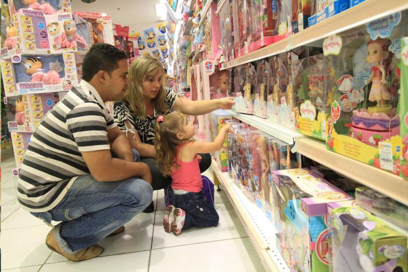 Dia das Crianças: Lojas de C. Mourão abrem até as 22 horas nesta quinta