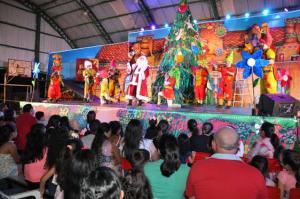 Sou Arte de Campo Mourão estreou espetáculo natalino no jardim Damasco