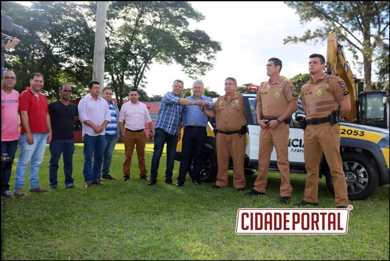 Araruna é beneficiado com nova  viatura de Polícia Militar e Van para a Saúde