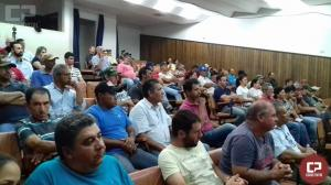 Emater de Campo Mourão discute novas regras para produção de leite