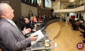 Professor recebe Prêmio Município Modelo da Câmara de Campo Mourão