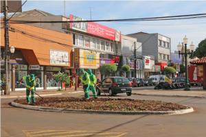 Decorações de Natal já foram retiradas da área central de Campo Mourão