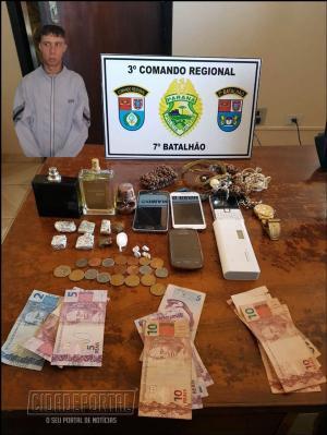 """Polícia Militar de Goioerê realiza operação """"Toque de Sadim"""" e retira drogas e traficantes de circulação"""