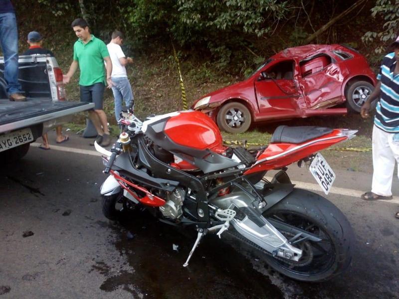Grave acidente entre carro e moto de alta cilindrada deixa três feridos entre Iretama e Luiziana