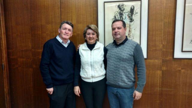 Prefeita de Farol cumpre agenda em Curitiba, em busca de melhorias para o município