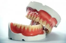 Saúde entrega mais 30 próteses dentárias nesta quinta-feira