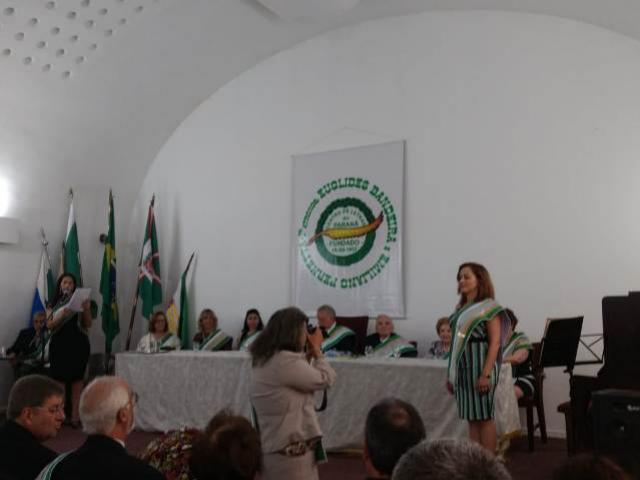 Prescila Francioli empossada no Centro de Letras do Paraná