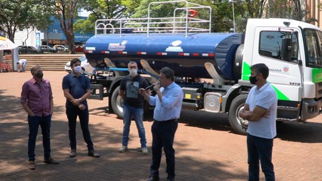 Município de Campo Mourão recebe caminhão-pipa do governo do Estado