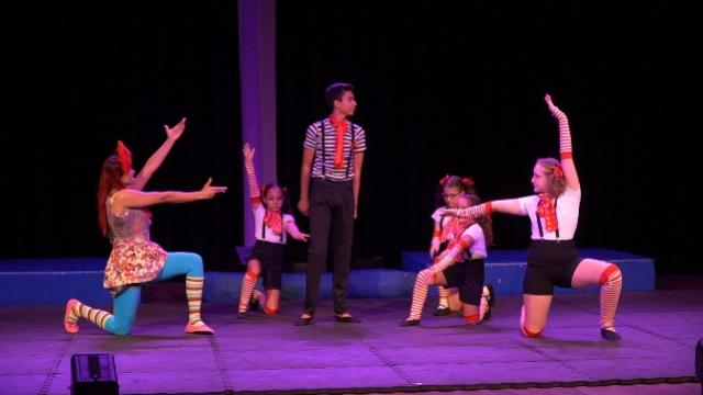 Escola de Circo promoveu mostra de alunos em Campo Mourão
