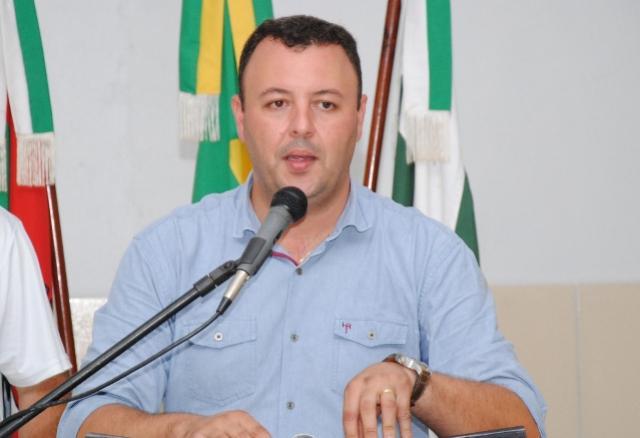 Prefeito Leandro, de Araruna, é eleito novo presidente da Comcam