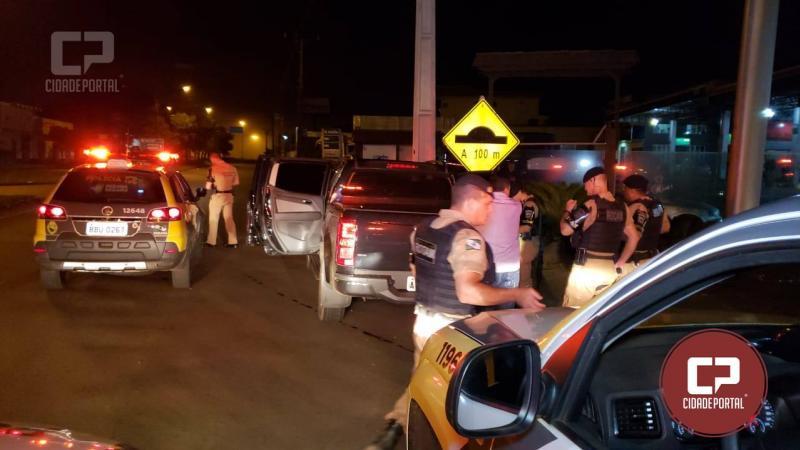 Uma pessoa foi presa pela PM em posse de arma de fogo, simulacro de pistola e embriaguez ao volante