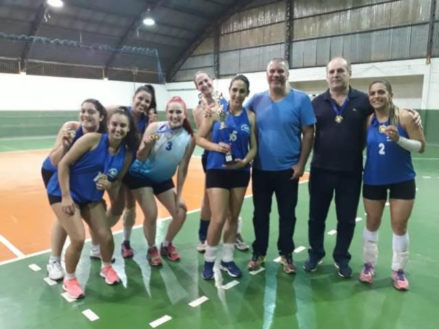 Clube dos 30 é campeão na modalidade de voleibol feminino em Campo Mourão
