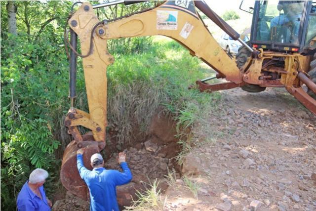 Estradas Rurais recebem melhorias em diversos locais em Campo Mourão