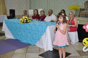 CMEI Menino Jesus faz bela formatura para as crianças em Farol