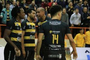 Sensacional: Oral Sin Campo Mourão Basquete vence o São Paulo e empata a série semifinal