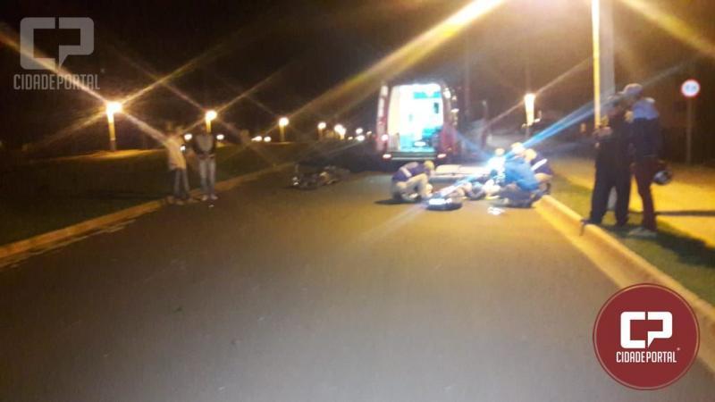 Três pessoas ficam feridas em acidente entre duas motos na madrugada deste domingo, 15 em Campo Mourão